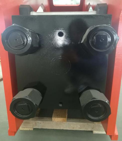 各种螺栓对破碎锤使用寿命的影响